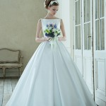 THE SIMPLE!! クチュールナオコのボートネックウェディングドレス